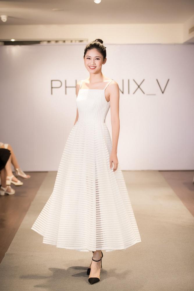NDN_Vu Thu Phuong chieu dai khan gia bua tiec Den Trang_a hau ngo thanh thanh tu (1)_resize