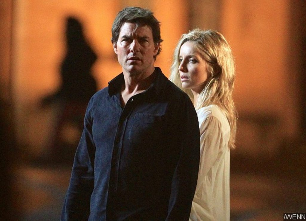 tom-cruise-and-annabelle-wallis-filming-the-mummy-reboot_resize