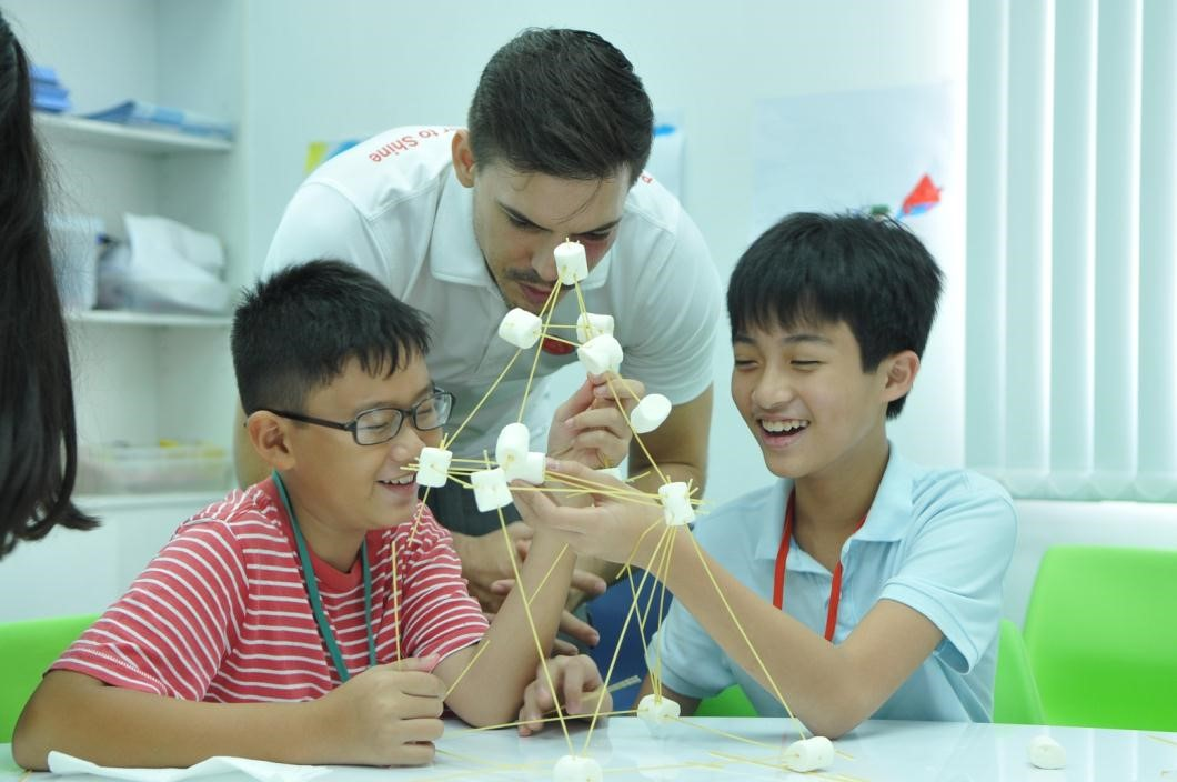 Các tiết học trực quan, sinh động dưới sự hướng dẫn của giáo viên.