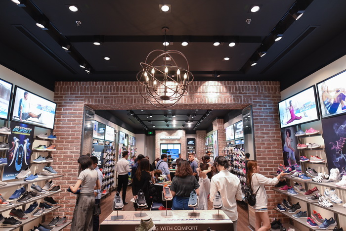 NDN_Cua hang chuan the thao Skechers khai truong tai Crescent Mall_9