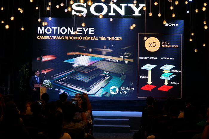 NDN_Sony gioi thieu smartphone the he man hinh 4k HDR dau tien the gioi_Ong Nguyen Vu Khoa Phuc, Truong phong tiep thi san pham Xperia, Sony electric VN_resize
