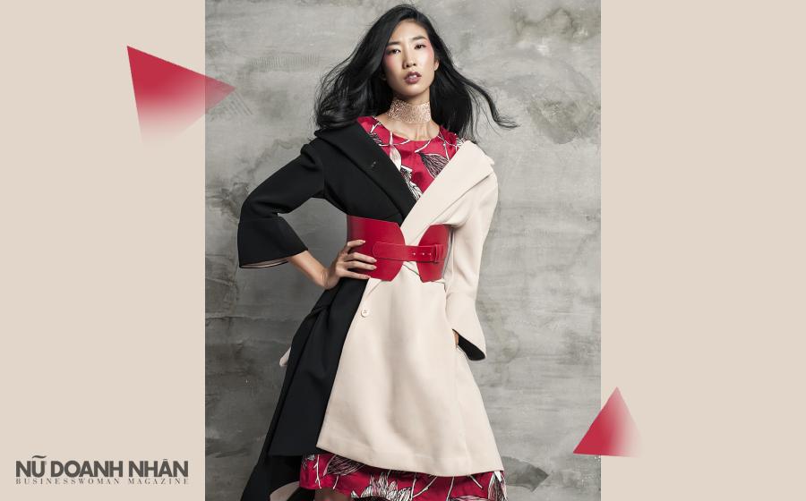 Áo khoác dáng dài, Max & Co. Đầm lụa in hoa, Max & Co. Thắt lưng bản lớn, Zara Choker, Lovisa