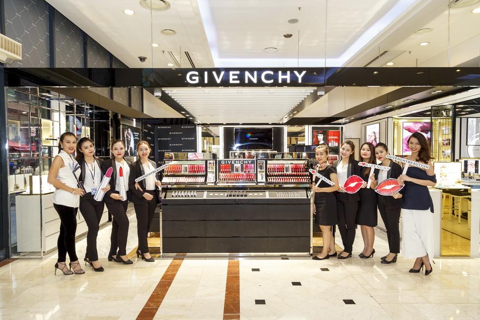NDN_Givenchy VN ra mat bst Thu Dong 2017_02