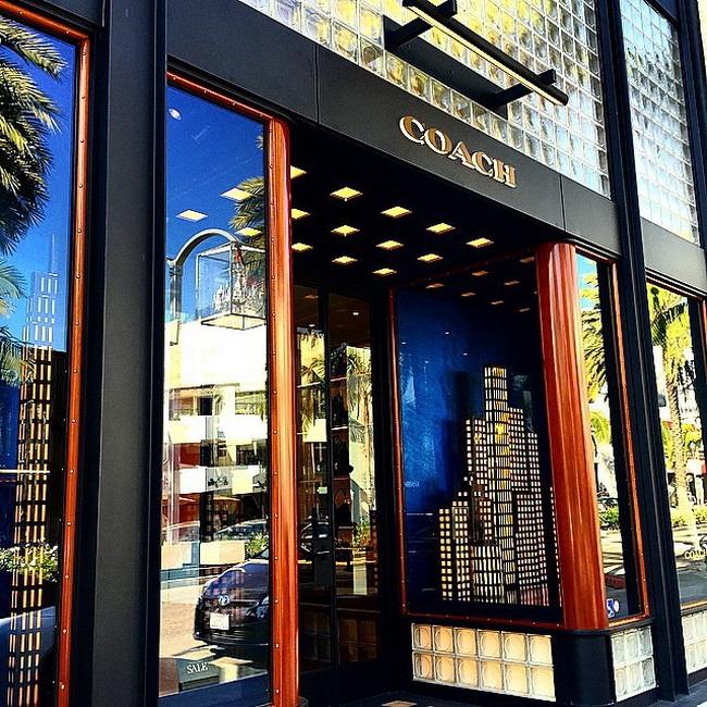 Phong cách cửa hàng ý tưởng 'Modern Luxury' mới của Coach tại New York