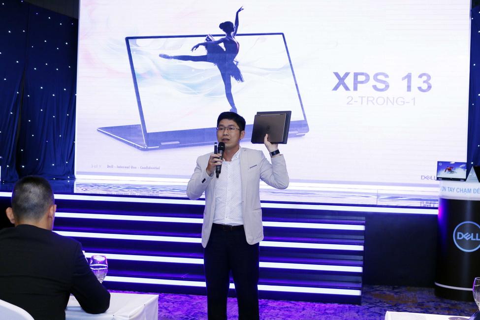 Anh Nguyễn Cường Thịnh - Quản lý thương hiệu cấp cao Dell EMC Việt Nam giới thiệu sản phẩm mới của Dell