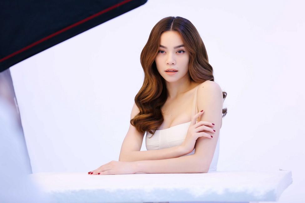 NDN_Ho Ngoc Ha phong van Fit is Beautiful_1