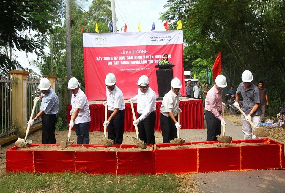 Lễ khởi công xây dựng bảy cây cầu dân sinh tại huyện Hồng Ngự