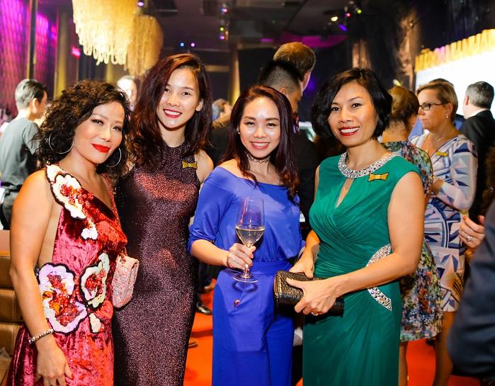 Chị Lệ Thu, chị Lê Ngọc Hồng Ánh (LANGUAGE LINK), chị Trần Thảo Vy (DAFC) và chị Mỹ Lệ.