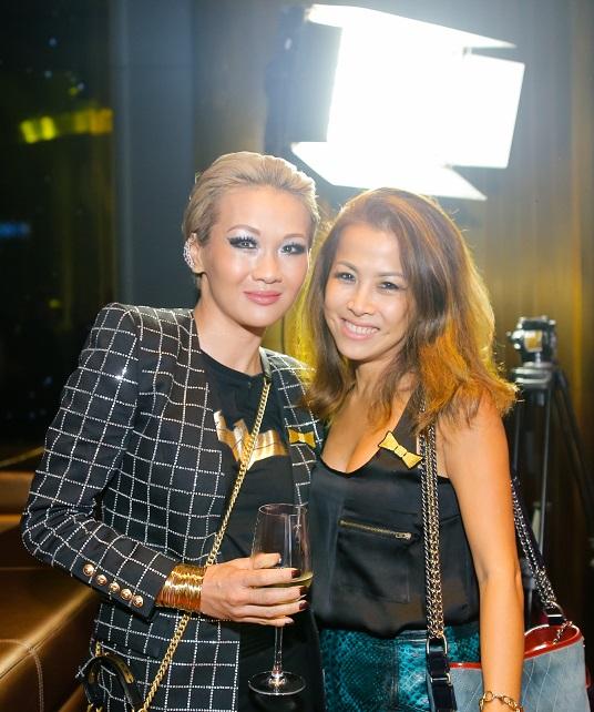 Bà Mischelle White (trái) và bà Kimmy Dương - Co-founder Nhà hàng KOH THAI.