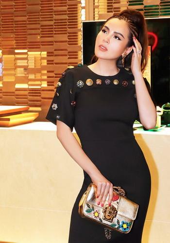 Á Hậu Phương Lê diện váy áo, phụ kiện sang trọng của Dolce&Gabbana