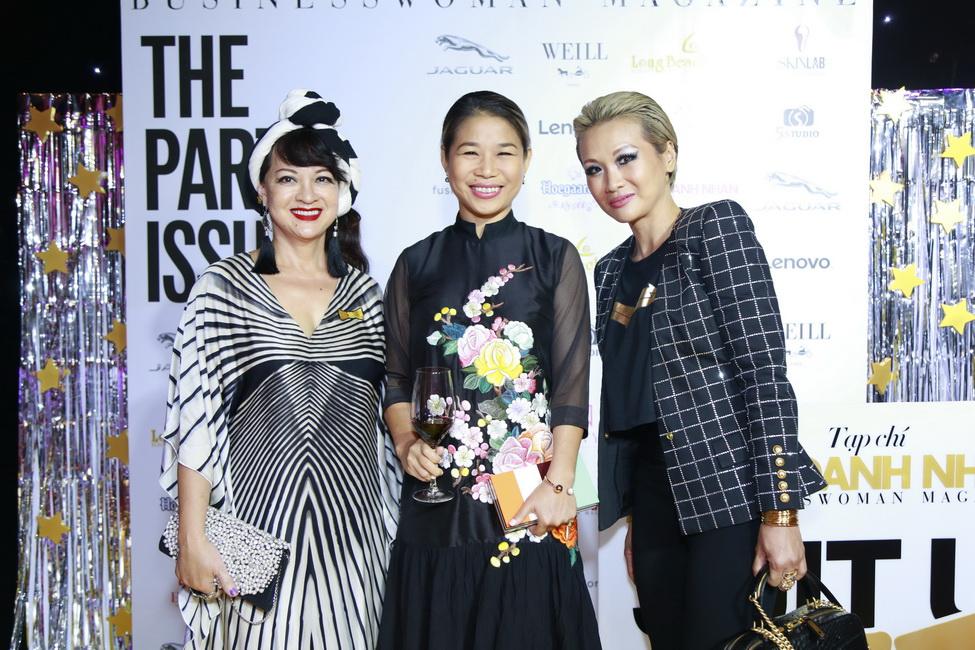 Từ trái sang: chị Camy Fayet, chị Trang Lê và chị Mischelle White.