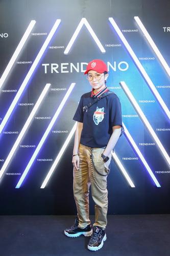 Cô nàng đẹp trai Gil Lê nổi bật với set trang phục của Trendiano.