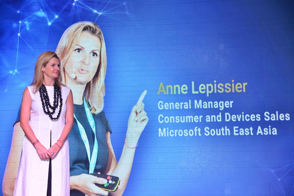 Bà Anne Lepissier, Giám đốc khối thiết bị và kênh tiêu dùng, Microsoft khu vực Đông Nam Á