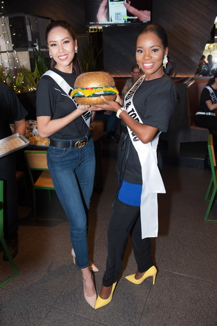 Loan Nguyen, Miss Vietnam 2017 and Yvonne Clarke, Miss Trinidad & Tobago 2017 during lunch at Shake Shack in Las Vegas on Wednesday, November 15th. The Miss Universe contestants are touring, filming, rehearsing and preparing to compete for the Miss Universe crown in Las Vegas. Tune in to the FOX telecast at 7:00 PM ET live/PT tape-delayed on Sunday, November 26, live from the AXIS at Planet Hollywood Resort & Casino in Las Vegas to see who will become the next Miss Universe. HO/The Miss Universe Organization