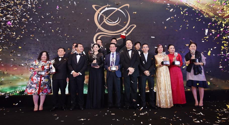 Các doanh nhân Việt Nam nhận giải thưởng Doanh nhân Châu Á 2017