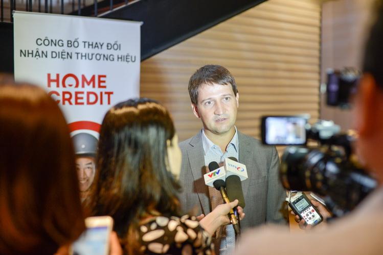 Ông Dmitry Mosolov, TGĐ Home Credit chia sẻ về những đổi cải tiến mới của Home Credit
