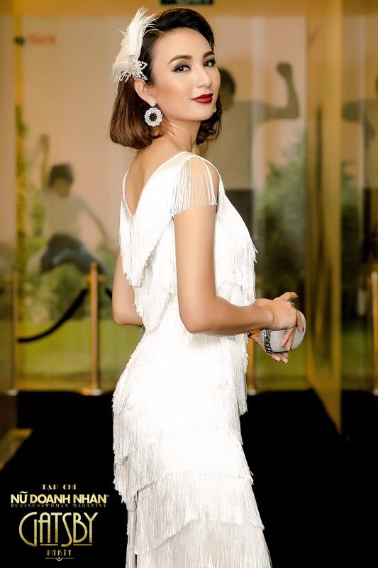 Ngọc Diễm thực sự là quý cô của thập niên 20 với kiểu tóc ngắn xoăn nhẹ và chiếc đầm đậm chất Gatsby