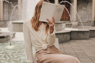 Nâng tầm phong cách từ việc đọc sách thời trang