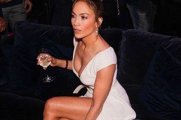 Học Jennifer Lopez cách giữ dáng ở độ tuổi trung niên