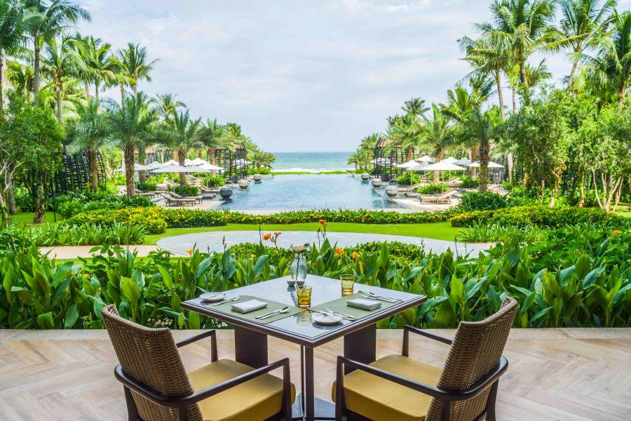 Uu dai InterContinental Phu Quoc Long Beach Resort ngay nghi trong mo