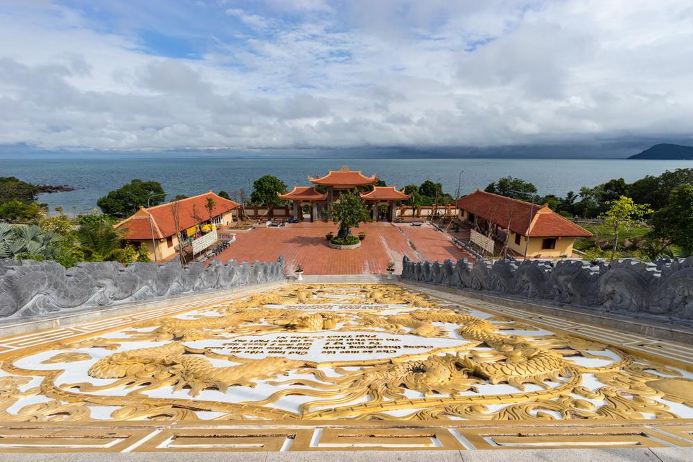 chùa hộ quốc đảo ngọc phú quốc