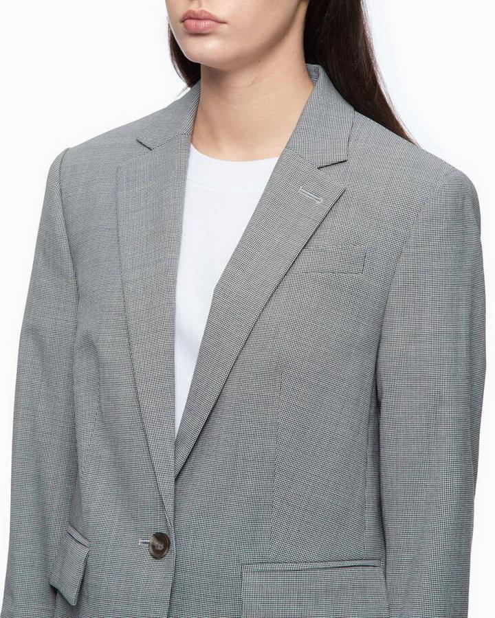 cách phối quần áo cho cô gái vai rộng
