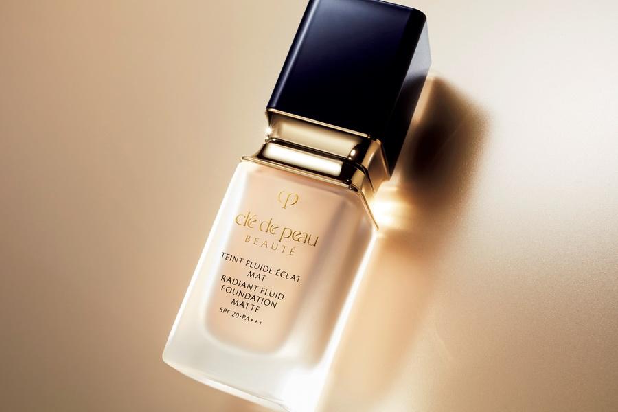 Radiant Fluid Foundation Matte Cle de peau beaute