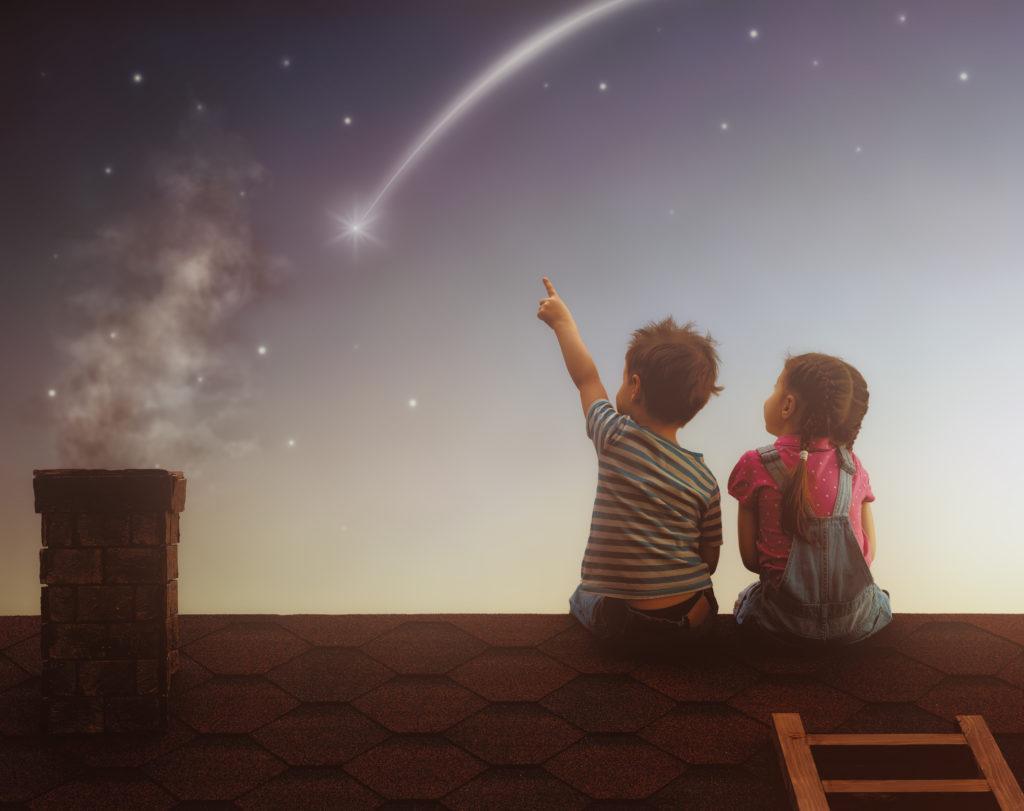 dạy trẻ thể hiện cảm xúc và gìn giữ mối quan hệ khi còn bé
