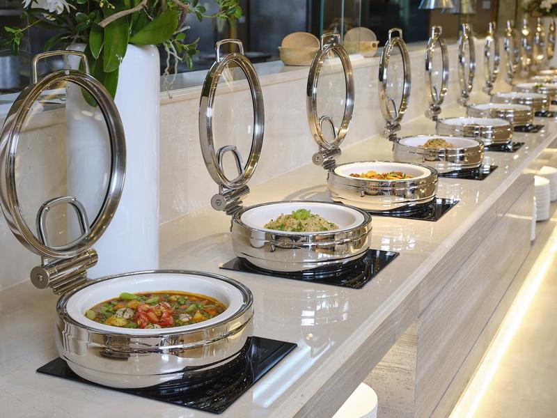 buffet Atrium Café Lotte Saigon