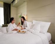 """Một kỳ nghỉ """"staycation"""" sang trọng giữa khách sạn 5 sao Sài Gòn, tại sao không?"""