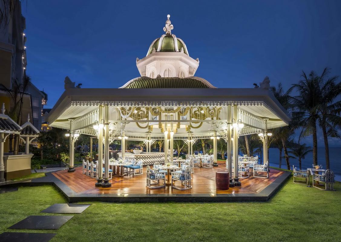 tiệc giáng sinh JW Marriott Phu Quoc Emerald Bay