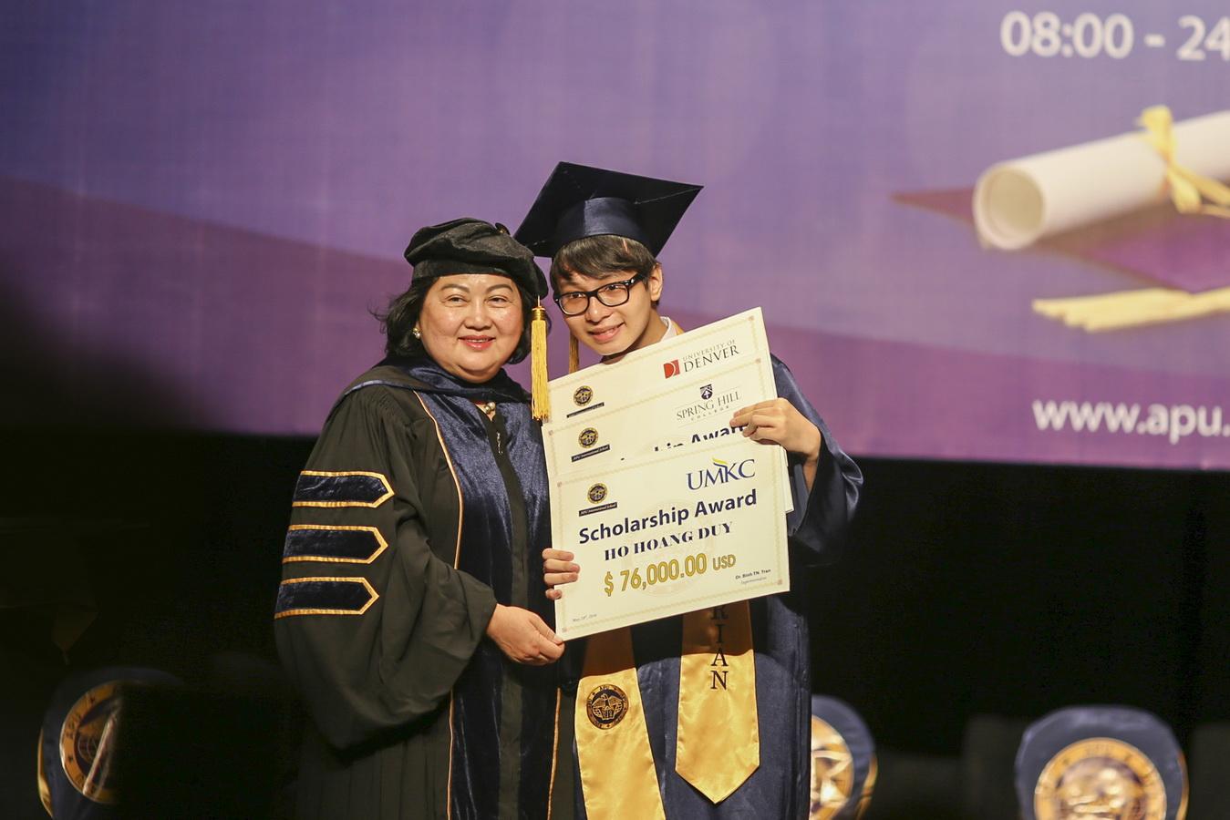 Tiến sĩ Trần Nguyễn Thy Bình và giáo dục APU
