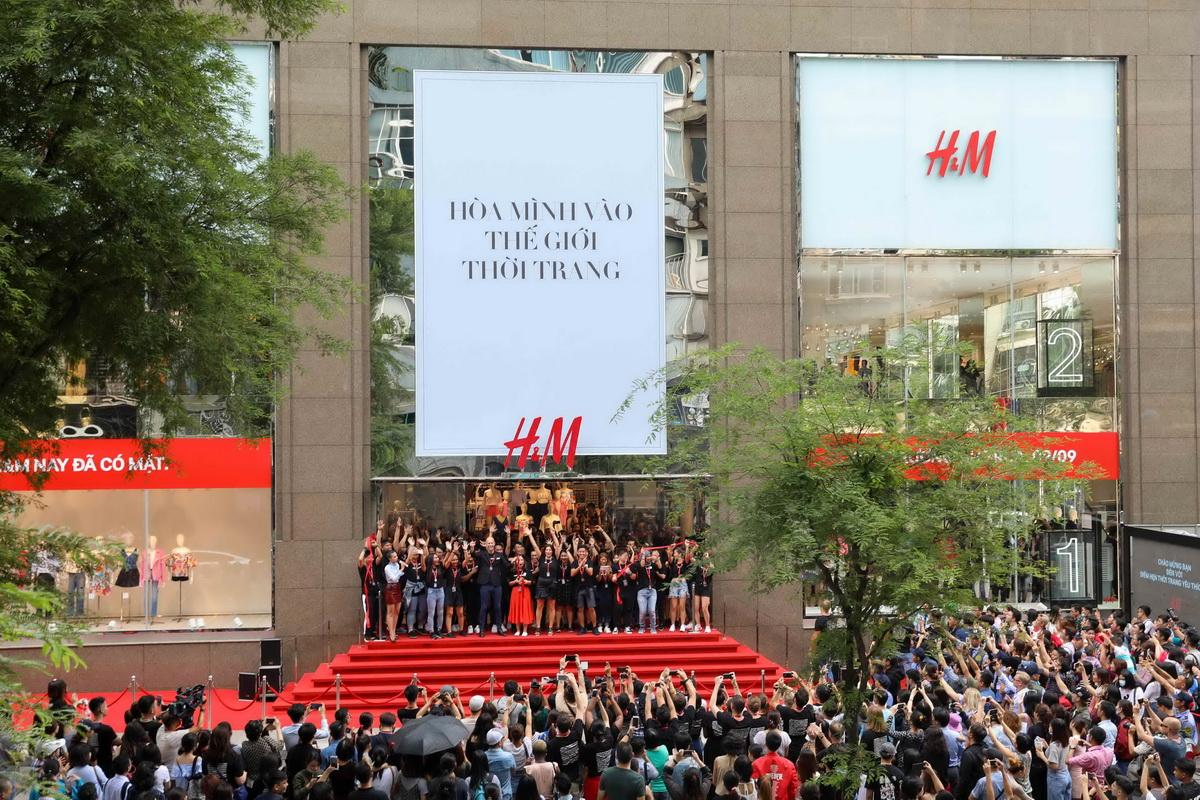 ra mắt cửa hàng H&M tại cần thơ và hạ long