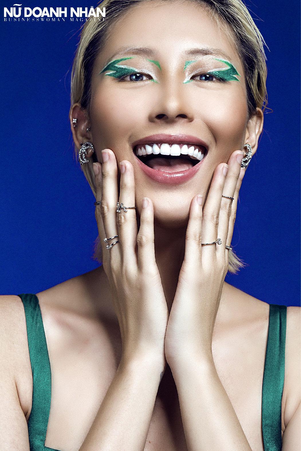 bộ ảnh beauty tạp chí nữ doanh nhân