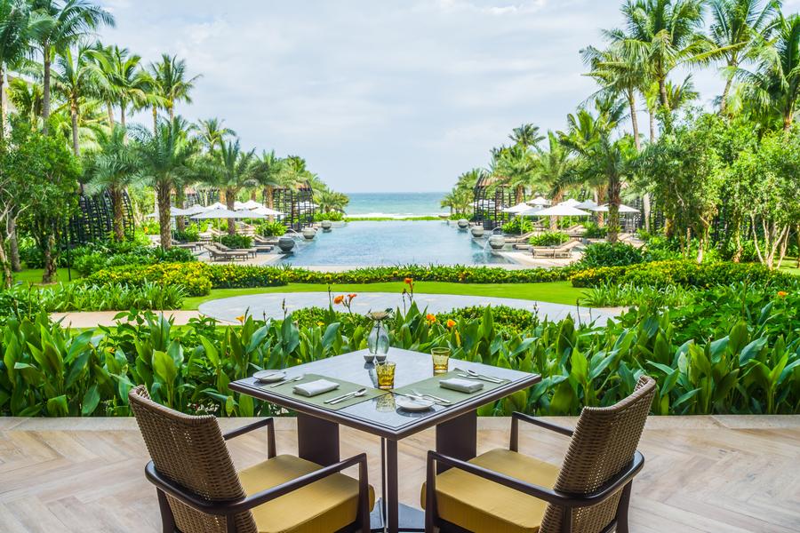 ẩm thực intercontinental phu quoc long beach