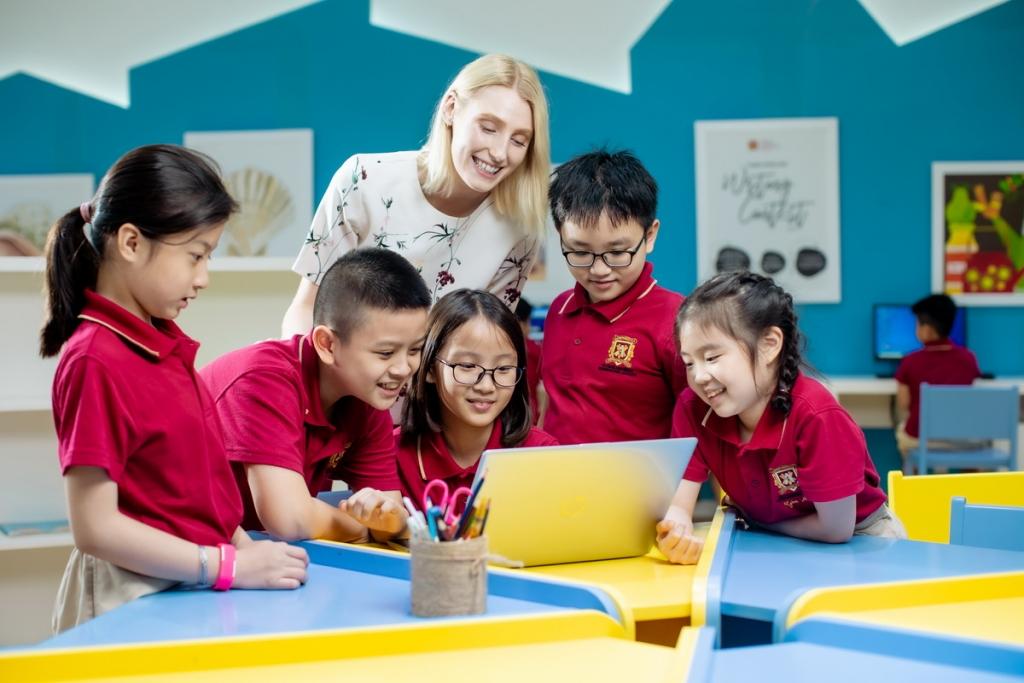 chọn trường quốc tế song ngữ VAS cho con