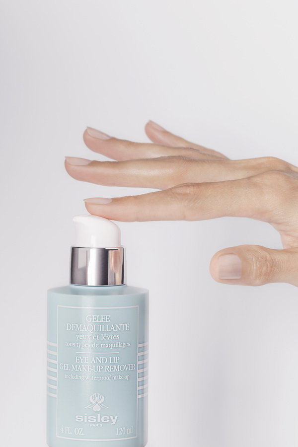 sisley ra mắt gel tẩy trang Eye & Lip Gel Makeup Remover