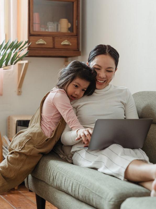 Cùng con ở nhà mùa dịch, dạy gì cho trẻ phát triển tốt?