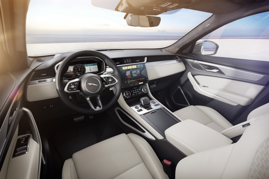 Jaguar F-PACE R-Dynamic bổ sung phiên bản màu đen độc đáo với công nghệ tiên tiến