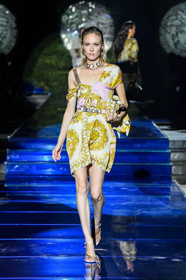 Versace Fendi - BST Fendace - ái bắt tay của những huyền thoại